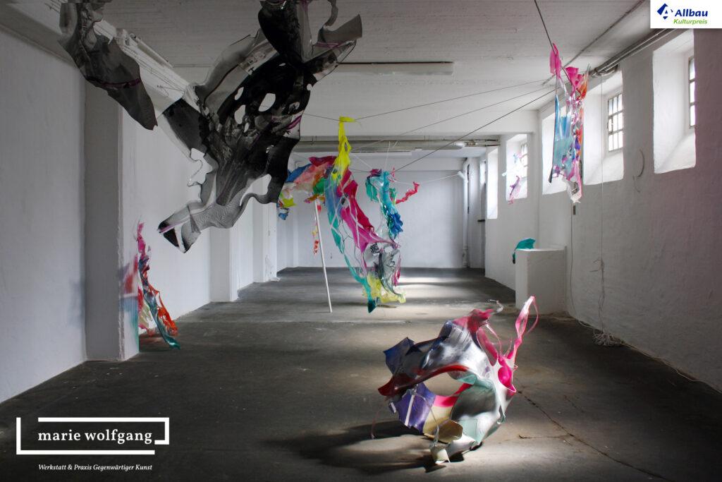 Kunst in Essen bei marie wolfgang - Werkstatt & Praxis Gegenwärtiger Kunst. Ausstellungsansicht mit einer Installation von Paul Schwer. (c) Denis Bury